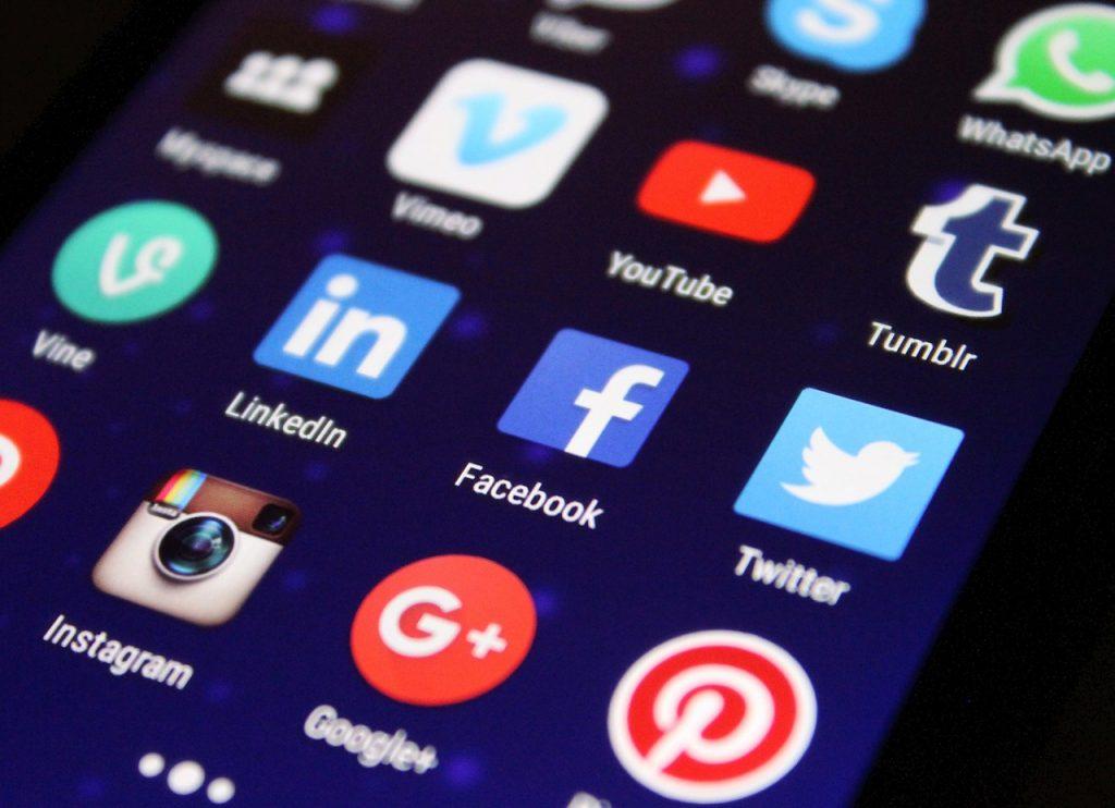Qué hacer con las redes sociales de un fallecido